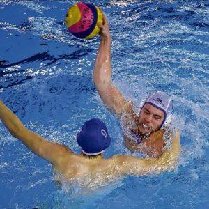 War mit sechs Toren erfolgreichster WUM-Werfer: Lukas Schulle (am Ball). Foto: Eroll Popova